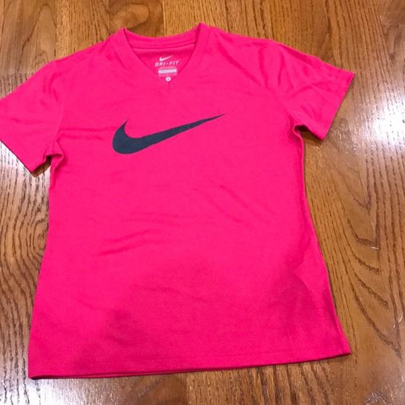 nike shirt in pink